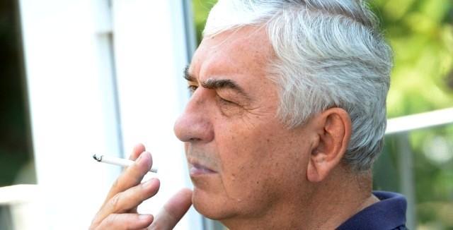 Celebrity dává kouření