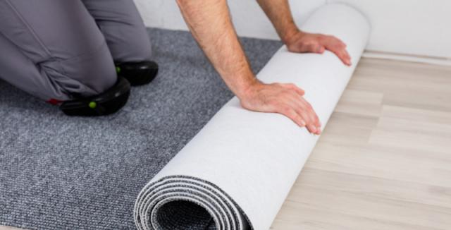 Pokládka plovoucí podlahy na koberec
