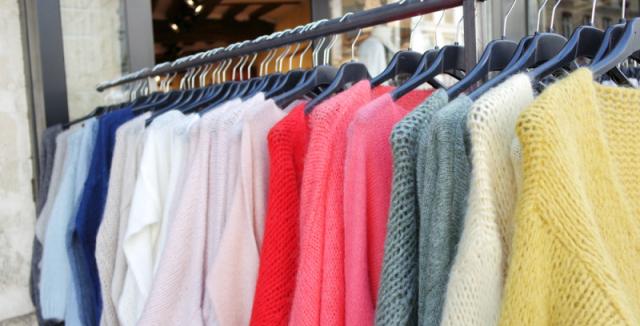 Barevné kašmírové svetry budou mít výsostné místo ve vašem šatníku b7fcc168fa