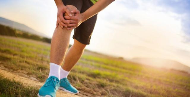 1192540b224 Ani při bolestech kloubů se člověk nemusí vyhýbat sportu. Jen je ...