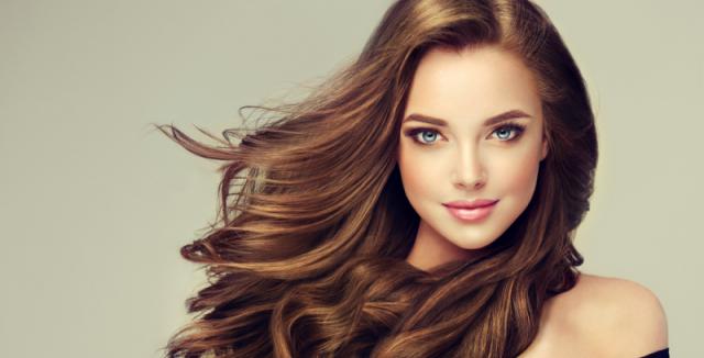 Chcete mít krásné a lesklé vlasy  Použijte vodku • Styl   inStory.cz b6c36ab43f9
