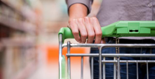 Image result for lidi s nákupními vozíky